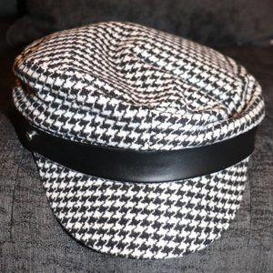 3/$20 Houndstooth Cabbie Hat